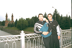VLADIKAVKAZ, RUSSIA - Monday, September 11, 1995: Liverpool Neil Ruddock and Jamie Redknapp on a bridge over the Terek River oustide Hotel Vladikavkaz, the base for the Liverpool team and supporters before the UEFA Cup 1st Round 1st Leg match against FC Alania Spartak Vladikavkaz. (Photo by David Rawcliffe/Propaganda)