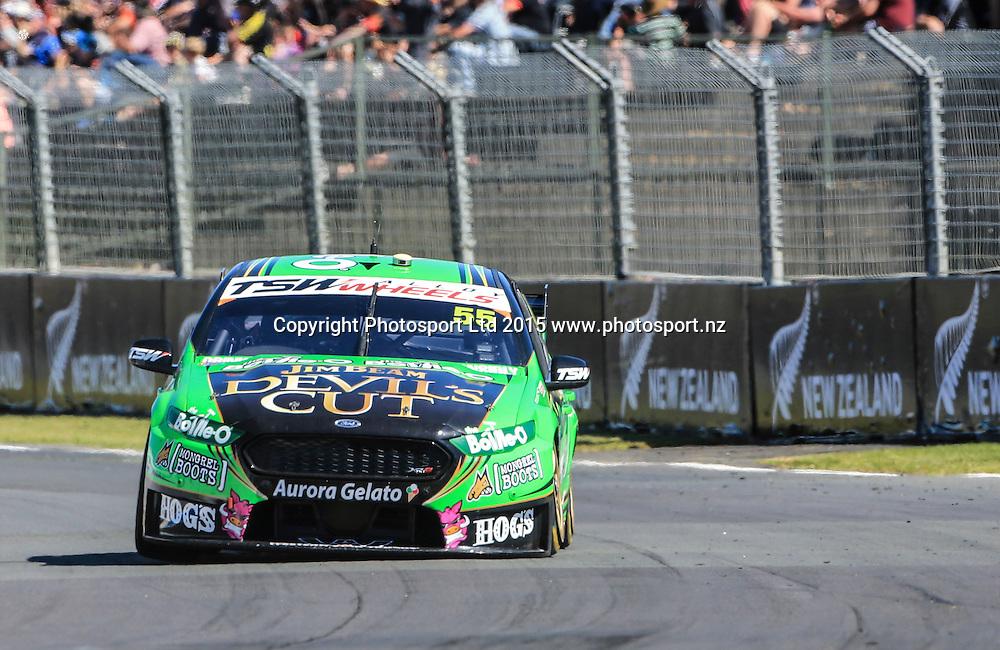 David Reynolds on his way to winning race 2. ITM 500 V8 Supercars, Pukekohe, Auckland, New Zealand. Saturday, 07 November 2015. Copyright photo: John Cowpland / www.photosport.nz