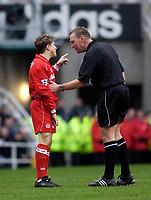 Photo. Glyn Thomas.<br /> Newcastle United v Middlesbrough. Premiership.<br /> St James' Park, Newcastle. 21/02/2004.<br /> Boro's Juninho (L) tells the referee what he thinks.