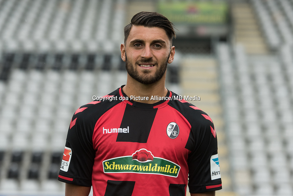 German Bundesliga - Season 2016/17 - Photocall SC Freiburg on 5 August 2016 in Freiburg, Germany: Vincenzo Grifo. Photo: Patrick Seeger/dpa | usage worldwide
