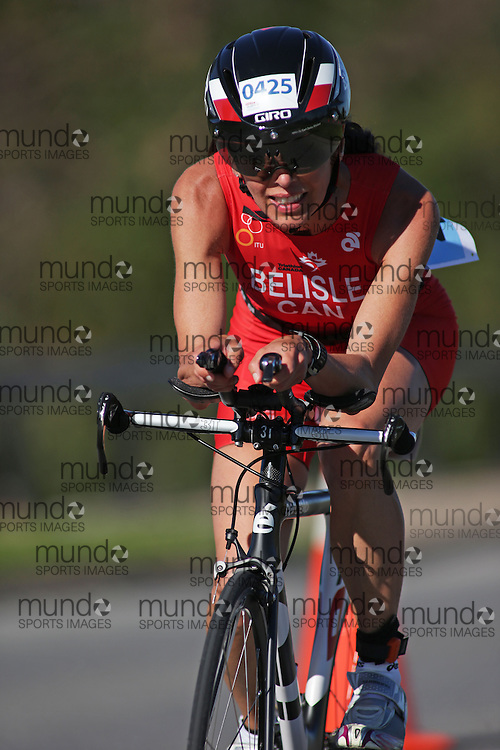 (Ottawa, Canada---10 August 2013)  Josee Belisle (425)  of Canada (CAN) competing in the 45-49 Female AG International Triathlon Union 2013 World Duathlon Championships (10 km run- 40 km bike- 5km run).
