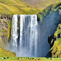 Observing Powerful Sk&oacute;gafoss in South Iceland <br />