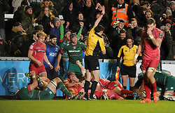 Jordan Crane scores a try as Leicester Tigers maul over the line - Photo mandatory by-line: Dougie Allward/JMP - Mobile: 07966 386802 - 16/01/2015 - SPORT - Rugby - Leicester - Welford Road - Leicester Tigers v Scarlets - European Rugby Champions Cup