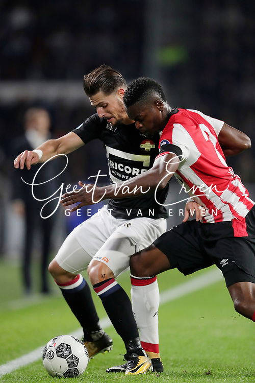 (L-R) Fran Sol of Willem II, Nicolas Isimat Mirin of PSV