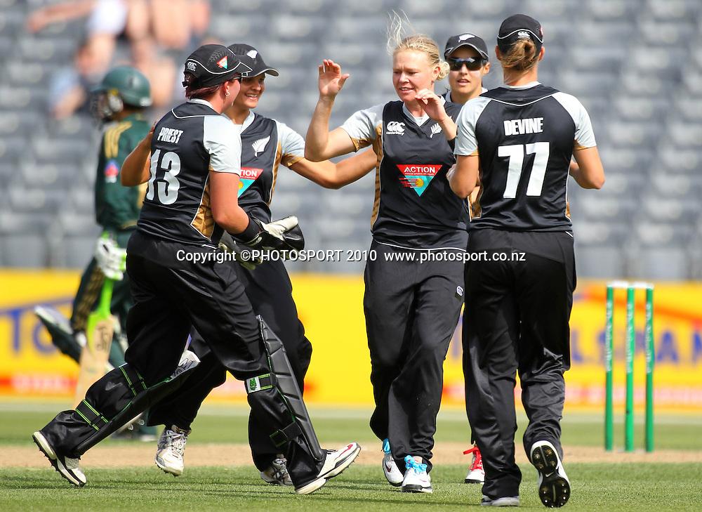 Kate Pulford celebrates a wicket. Women's International Twenty20 cricket match - New Zealand White Ferns v Australia Southern Stars at AMI Stadium, Christchurch. Sunday 28 February 2010.