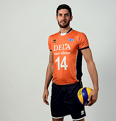 13-05-2014 NED: Selectie Nederlands volleybal team mannen, Arnhem<br /> Op Papendal werd het Nederlands team volleybal seizoen 2014-2015 gepresenteerd / Niels Klapwijk