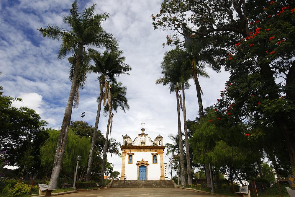 Mateus Leme_MG, Brasil.<br /> <br /> Igreja Matriz de Santo Antonio em Mateus Leme, Minas Gerais.<br /> <br /> Santo Antonio mother church in Mateus Leme, Minas Gerais.<br /> <br /> Foto: BRUNO MAGALHAES / NITRO