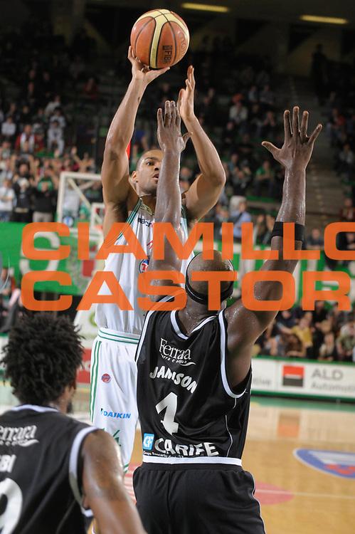 DESCRIZIONE : Treviso Lega A1 2008-09 Benetton Treviso Carife Ferrara<br /> GIOCATORE :  Gary Neal<br /> SQUADRA : Benetton Treviso<br /> EVENTO : Campionato Lega A1 2008-2009 <br /> GARA : Benetton Treviso Carife Ferrara<br /> DATA : 07/02/2009 <br /> CATEGORIA : Tiro<br /> SPORT : Pallacanestro <br /> AUTORE : Agenzia Ciamillo-Castoria/M.Gregolin