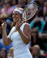 Wimbledon Championships 2012 AELTC,London,.ITF Grand Slam Tennis Tournament,.Sabine Lisicki (GER) macht die Faust und jubelt nach ihrem Sieg,Jubel,Freude,Emotion, Aktion,Einzelbild,Halbkoerper, Hochformat,.