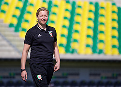 LARNACA, CYPRUS - Wednesday, March 7, 2018: Wales' manager Jayne Ludlow before the Cyprus Women's Cup match between Wales and Austria on day nine of the Cyprus Cup tournament at the AEK Arena - Georgios Karapatakis. (Pic by David Rawcliffe/Propaganda)