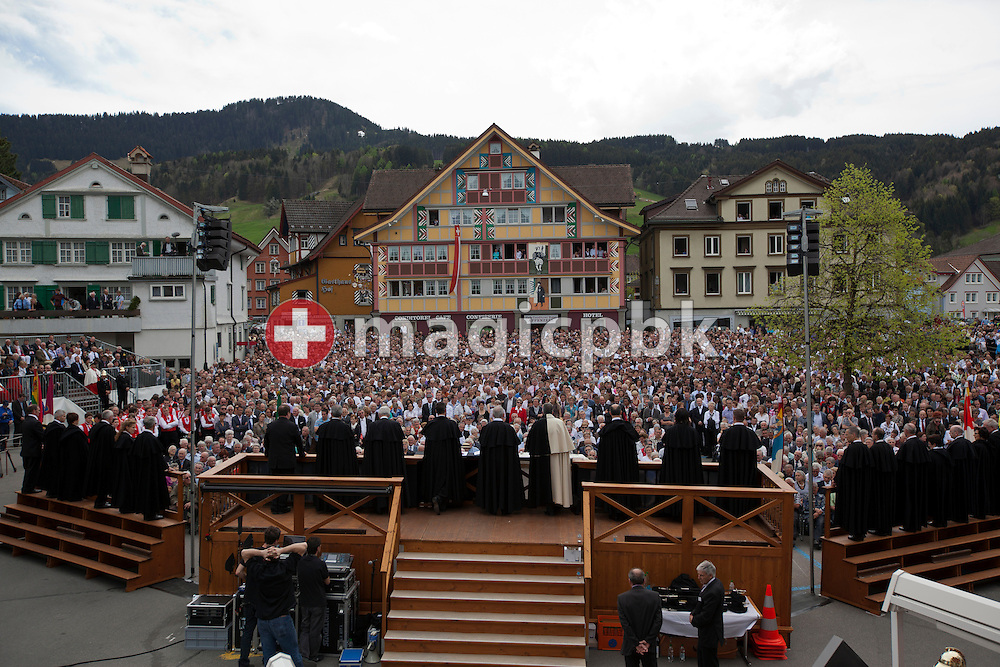 Participants of the Landsgemeinde (cantonal assembly) in Appenzell in the demicanton of Appenzell Innerrhoden, Switzerland, are listening to a speech of the Landammann on the Landsgemeinde square (cantonal assembly square) in Appenzell, Switzerland, Sunday, April 29, 2012. All the citizens who are entitled to vote foregather at the Landsgemeinde every year on the last Sunday in April on the square to decide on laws and tasks that are to be undertaken, as well as to elect the canton's administration. (Photo by Patrick B. Kraemer / MAGICPBK).Die Teilnehmer der Landsgemeinde von Appenzell Innerrhoden hoeren dem Landammann zu, am Sonntag, 29. April 2012 auf dem Landsgemeindeplatz in Appenzell. Die Landsgemeinde von Appenzell Innerrhoden findet immer am letzten Sonntag im April statt. Die Einwohner des Kantons fassen Beschluesse und waehlen die obersten Behoerden. (Photo by Patrick B. Kraemer / MAGICPBK)