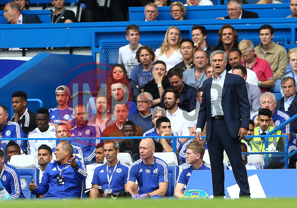 Chelsea Manager Jose Mourinho - Mandatory byline: Paul Terry/JMP - 07966386802 - 29/08/2015 - FOOTBALL - Stamford Bridge -London,England - Chelsea v Crystal Palace - Barclays Premier League