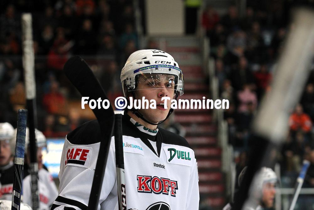 12.2.2012, Ritari Areena, Hämeenlinna..Jääkiekon SM-liiga 2012-13. Hämeenlinnan Pallokerho - HC TPS Turku..Niklas Friman - TPS