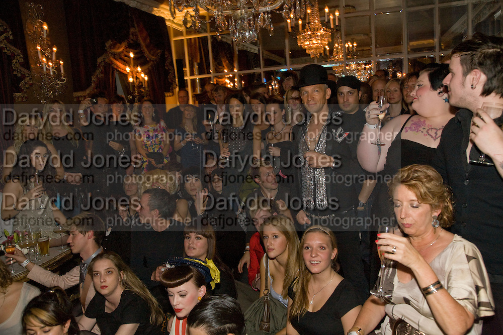 WATCHING THE FILM, The Town That Boars Me launch. Beach Blanket Babylon. Ledbury Rd. London. 27 August 2008 *** Local Caption *** -DO NOT ARCHIVE-© Copyright Photograph by Dafydd Jones. 248 Clapham Rd. London SW9 0PZ. Tel 0207 820 0771. www.dafjones.com.