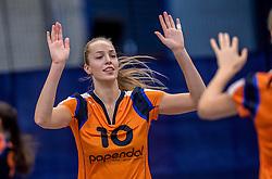 22-10-2016 NED: TT Papendal/Arnhem - Coolen Alterno, Arnhem<br /> Alterno heeft haar eerste overwinning binnen in de eredivisie. Na twee nederlagen schreef de Apeldoornse ploeg zaterdagmiddag in Valkenhuizen een 0-3 zege bij / Laura de Zwart #10 of Talent Team