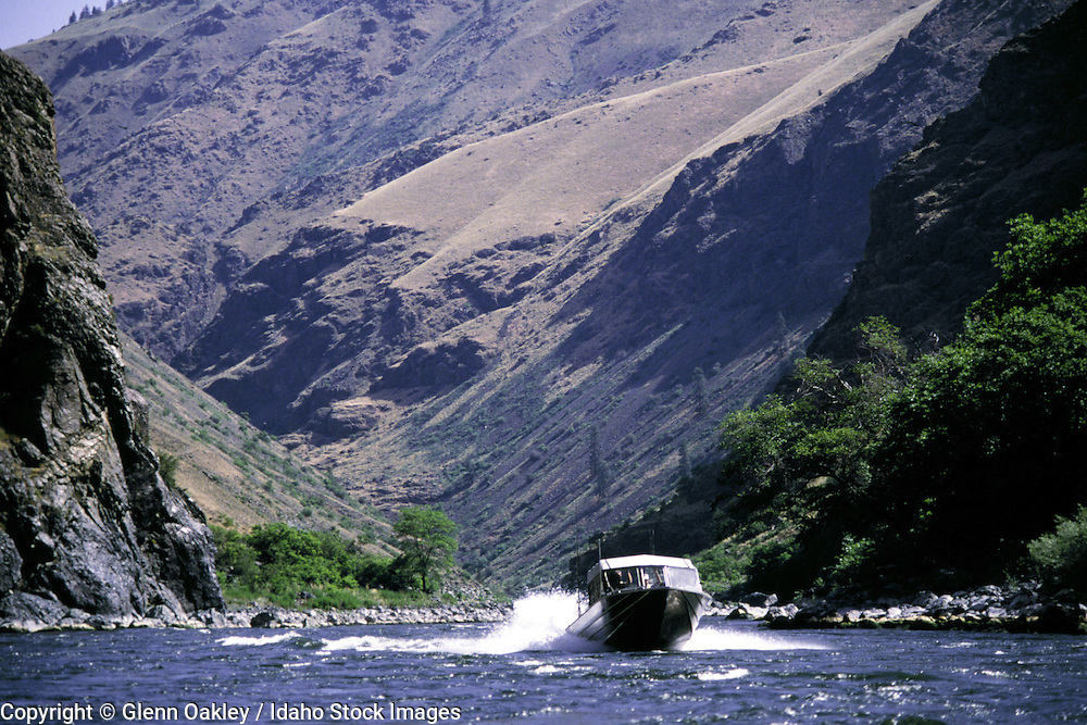 Jet boat on Hells Canyon.