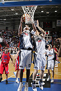 DESCRIZIONE : Napoli Eurolega 2006-07 Eldo Napoli CSKA Mosca <br /> GIOCATORE : Brown<br /> SQUADRA : Eldo Napoli<br /> EVENTO : Eurolega 2006-2007 <br /> GARA : Eldo Napoli CSKA Mosca <br /> DATA : 25/10/2006 <br /> CATEGORIA : Rimbalzo<br /> SPORT : Pallacanestro <br /> AUTORE : Agenzia Ciamillo-Castoria/M. Cacciaguerra