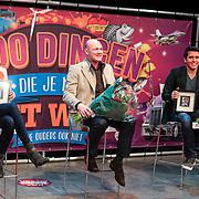 NLD/Amsterdam/20130116 - Vragenvuur kinderen tijdens Kidscollege 2013, sportster Naomie van As, astronaut Andre Kuipers en zanger Jan Smit