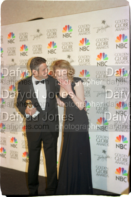 George Clooney and Nicole Kidman. Golden Globes. Beverley Hilton. 21 January 2001. © Copyright Photograph by Dafydd Jones 66 Stockwell Park Rd. London SW9 0DA Tel 020 7733 0108 www.dafjones.com