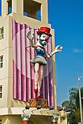 Venice CA Ballerina Clown by artist Jonathan Borofsky, Mannequin, LA  Street