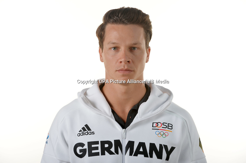 Patrick Hausding poses at a photocall during the preparations for the Olympic Games in Rio at the Emmich Cambrai Barracks in Hanover, Germany. July 07, 2016. Photo credit: Frank May/ picture alliance. | usage worldwide