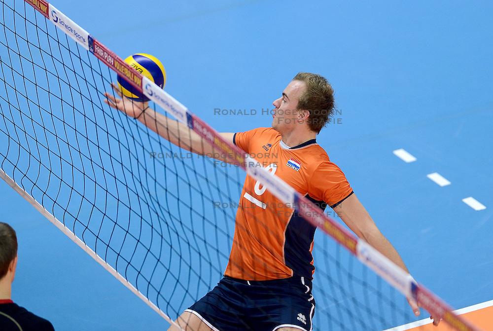 11-01-2015 NED: FIVB U21 WK kwalificatie Nederland - Duitsland, Zwolle<br /> Hidde Boswinkel #8