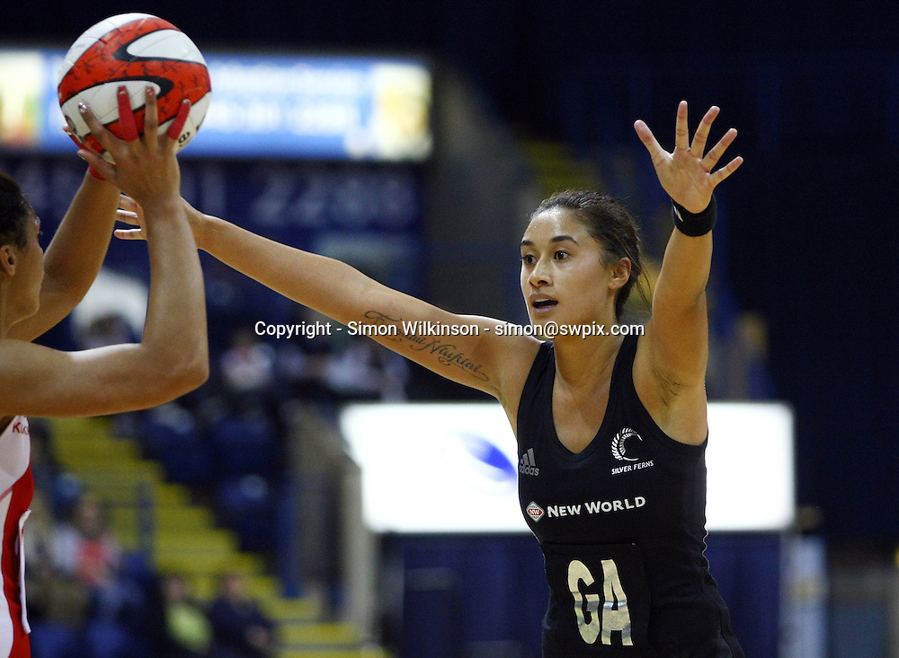 PICTURE BY VAUGHN RIDLEY/SWPIX.COM...Netball - International Netball Series - England v New Zealand - Capital FM Arena, Nottingham, England - 17/01/11...New Zealand's Maria Tutaia.