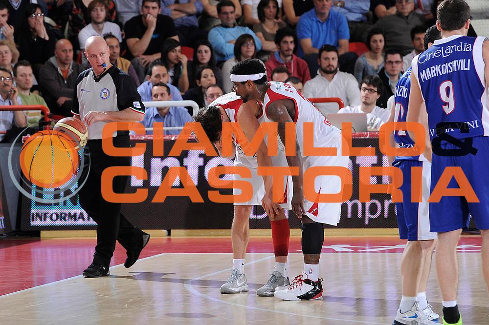 DESCRIZIONE : Teramo Lega A 2011-12 Banca Tercas Teramo Bennet Cantu<br /> GIOCATORE : Robert Fultz<br /> CATEGORIA : delusione<br /> SQUADRA : Banca Tercas Teramo<br /> EVENTO : Campionato Lega A 2011-2012<br /> GARA : Banca Tercas Teramo Bennet Cantu<br /> DATA : 31/03/2012<br /> SPORT : Pallacanestro<br /> AUTORE : Agenzia Ciamillo-Castoria/C.De Massis<br /> Galleria : Lega Basket A 2011-2012<br /> Fotonotizia : Teramo Lega A 2011-12 Banca Tercas Teramo Bennet Cantu<br /> Predefinita :