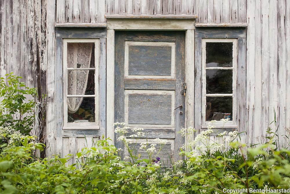 Plassen Bekken, Markvoll, ligger på strekningen Hyttbakken-Handkleet i Øverbygda i Selbu. Kjøpt av Jan Krogstad i 2011. Var da forfallent etter å ha stått ubebodd og ubrukt i mange år. Plassen ligger få meter fra Markåplassen (Markåen, utskilt fra bruket Bakken). Markålandet.