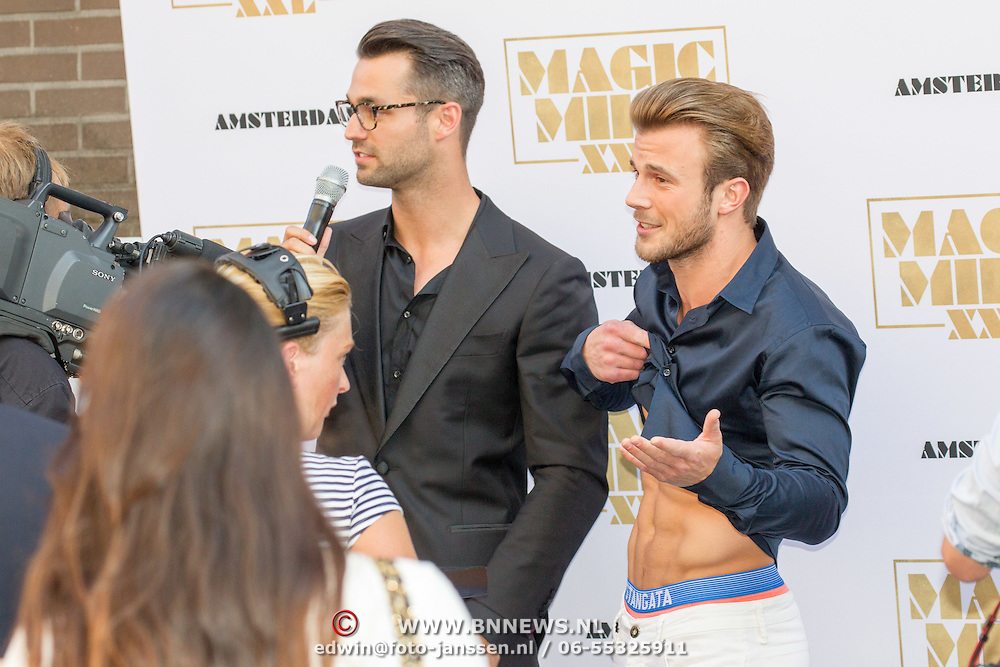NLD/Amsterdam/20150701- Film premiere Magic Mike XXL, Jan Kooijman en Mister Universe Rogier Warnawa