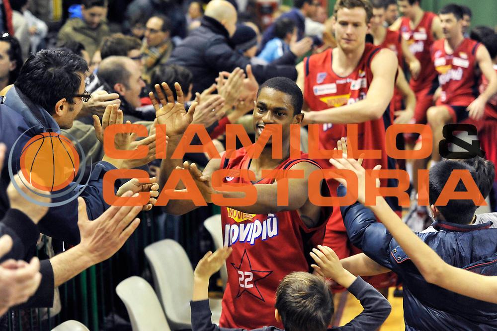 DESCRIZIONE : Casale Monferrato Campionato Lega Basket A2 2012-13<br /> Novipiu Casale Monferrato Vs Centrale del latte Brescia<br /> GIOCATORE : Casper Ware<br /> SQUADRA : Novipiu Casale Monferrato<br /> EVENTO : Campionato Lega Basket A2 2012-2013<br /> GARA : Novipiu Casale Monferrato Vs Centrale del latte Brescia<br /> DATA : 17/02/2013<br /> CATEGORIA : Esultanza<br /> SPORT : Pallacanestro <br /> AUTORE : Agenzia Ciamillo-Castoria/G.Gentile<br /> Galleria : Lega Basket A2 2012-2013 <br /> Fotonotizia : Casale Monferrato Campionato Lega Basket A2 2012-13 Novipiu Casale Monferrato Vs Centrale del latte Brescia<br /> Predefinita :