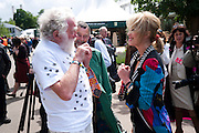 DAVID BELLAMY; JOANNA LUMLEY, Press and VIP viewing day. Chelsea Flower show, Royal Hospital Grounds. Chelsea. London. 18 May 2009