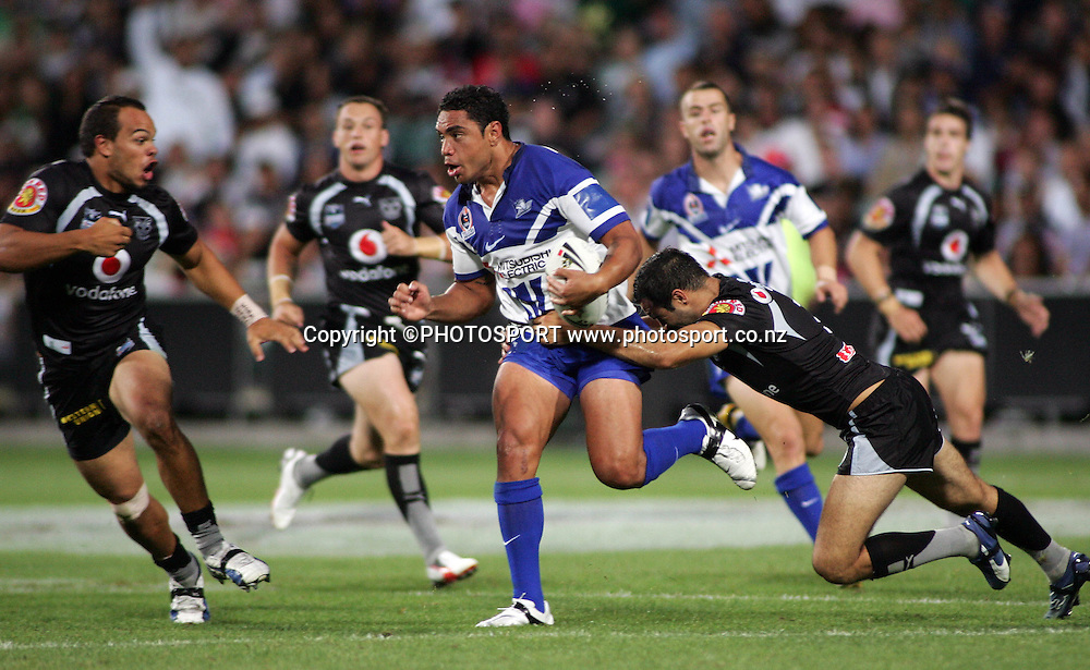 Bulldogs centre WIllie Tonga in action during the preseason NRL match between the Vodafone Warriors and Bulldogs held at Albany Stadium, Auckland, on Saturday 3 March 2007. Photo: Renee McKay/PHOTOSPORT