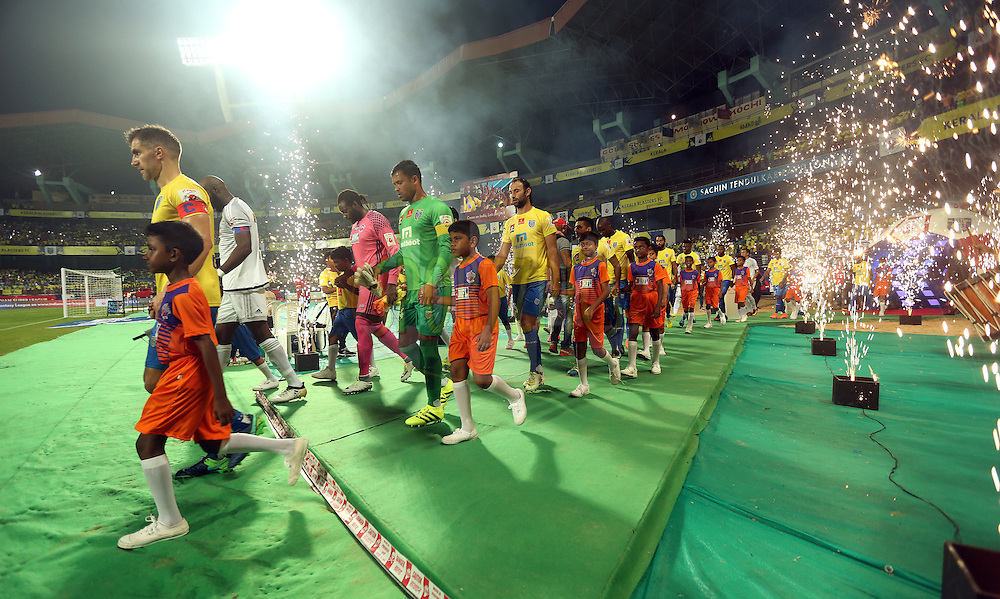 Kerala Blasters FC team and FC Pune City team arrives for the match 48 of the Indian Super League (ISL) season 3 between Kerala Blasters FC and FC Pune City held at the Jawaharlal Nehru Stadium in Kochi, India on the 25th November 2016.<br /> <br /> Photo by Sandeep Shetty / ISL / SPORTZPICS