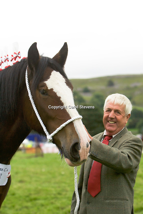 Frank Pickles with his own Laurelbank Scarlet<br /> Winner 2 year old Colt, Gelding or Filly Class<br /> Junior &amp; Reserve Show Champion