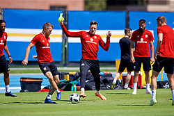LOS ANGELES, USA - Saturday, May 26, 2018: Wales' Aaron Ramsey and goalkeeper Wayne Hennessey during a training session at the UCLA Drake Track and Field Stadium ahead of the International friendly match against Mexico. (Pic by David Rawcliffe/Propaganda)