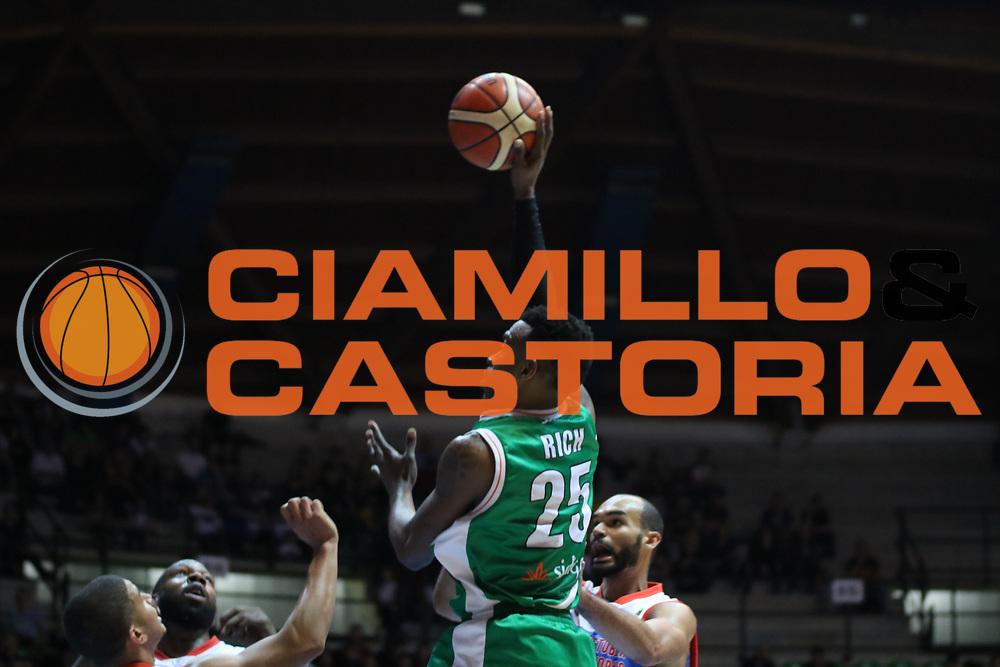 Jason Rich<br /> Pallacanestro Cantu' - Sidigas Scandone Avellino<br /> Serie A  2017/2018<br /> Desio 04/03/2018<br /> Foto Ciamillo-Castoria