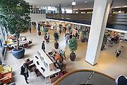 Nederland, Nijmegen, 30-3-2011De centrale hal, ingang, entree van het umc Radboud ziekenhuis. radboudumc. Niet model released, niet voor reclame.Foto: Flip Franssen