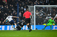 Football - 2019 / 2020 Premier League - Tottenham Hotspur vs. Brighton & Hove Albion<br /> <br /> Tottenham Hotspur's Harry Kane scores his side's equalising goal to make the score 1-1, at The Tottenham Hotspur Stadium.<br /> <br /> COLORSPORT/ASHLEY WESTERN