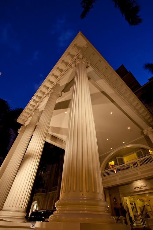 illars at Moana hotel in Waikiki, Honolulu, Hawaii