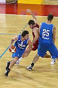 DESCRIZIONE : Firenze I&deg; Torneo Nelson Mandela Forum Italia Macedonia<br /> GIOCATORE : Marco Mordente<br /> SQUADRA : Nazionale Italiana Uomini <br /> EVENTO : I&deg; Torneo Nelson Mandela Forum Italia Macedonia<br /> GARA : Italia Macedonia<br /> DATA : 16/07/2010 <br /> CATEGORIA : penetrazione blocco palleggio<br /> SPORT : Pallacanestro <br /> AUTORE : Agenzia Ciamillo-Castoria/GiulioCiamillo<br /> Galleria : Fip Nazionali 2010