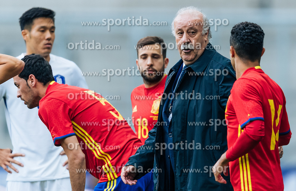 01.06.2016, Red Bull Arena, Salzburg, AUT, Testspiel, Spanien vs Suedkorea, im Bild Trainer Vicente del Bosque (ESP) // Coach Vicente del Bosque of Spain during the International Friendly Match between Spain and South Korea at the Red Bull Arena in Salzburg, Austria on 2016/06/01. EXPA Pictures © 2016, PhotoCredit: EXPA/ JFK