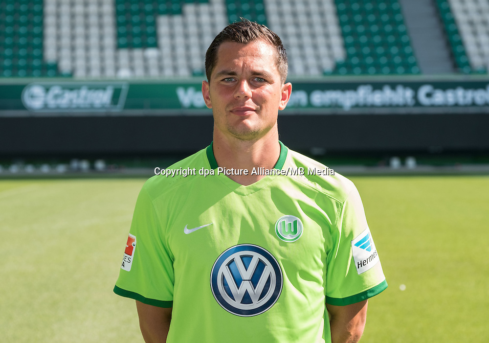 German Bundesliga - Season 2016/17 - Photocall VfL Wolfsburg on 14 September 2016 in Wolfsburg, Germany: Marcel Schaefer. Photo: Peter Steffen/dpa | usage worldwide
