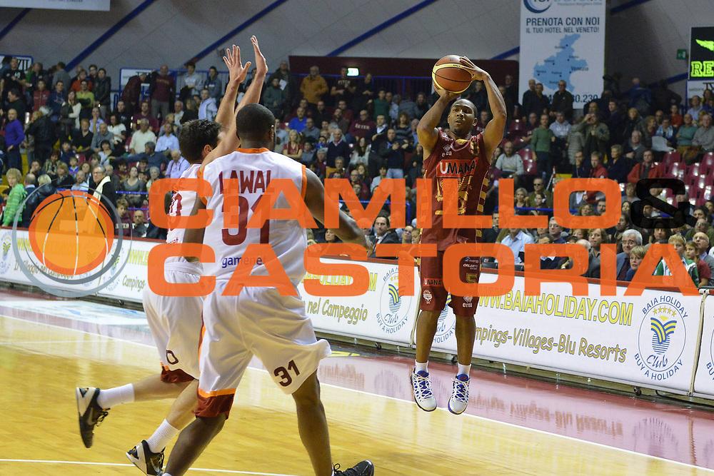 DESCRIZIONE : Venezia Lega A 2012-13 EA7 Umana Venezia Acea Roma<br /> GIOCATORE : keydren clark<br /> CATEGORIA : tiro<br /> SQUADRA : Umana Venezia Acea Roma<br /> EVENTO : Campionato Lega A 2012-2013 <br /> GARA : Umana Venezia Acea Roma<br /> DATA : 18/11/2012<br /> SPORT : Pallacanestro <br /> AUTORE : Agenzia Ciamillo-Castoria/M.Gregolin<br /> Galleria : Lega Basket A 2012-2013  <br /> Fotonotizia : Venezia Lega A 2012-13 Umana Venezia Acea Roma<br /> Predefinita :