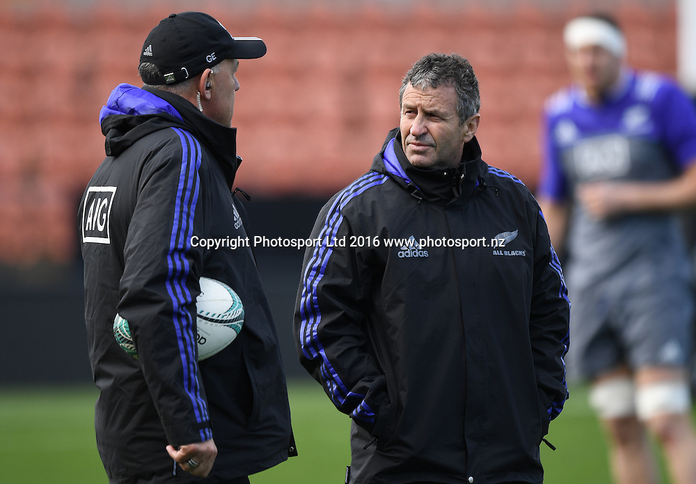 Gilbert Enoka and Assistant All Blacks Coach Wayne Smith during a training session in Hamilton ahead of the The Rugby Championship test match against Argentina. Thursday 8 September 2016. © Copyright Photo: Andrew Cornaga / www.Photosport.nz
