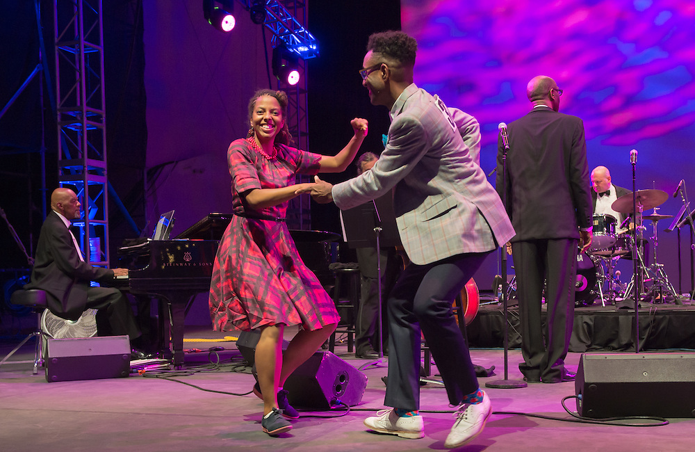 Harlem Renaissance Orchestra with Dance Contest winners
