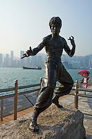 Chine, Hong Kong, Kowloon, Avenue of Stars, homage a Bruce Lee // China, Hong Kong, Kowloon, Avenue of Stars, Brunce Lee statue