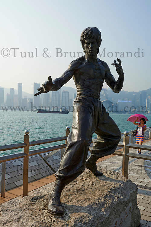 Chine, Hong Kong, Kowloon, Avenue of Stars, homage a Bruce Lee // China, Hong Kong, Kowloon, Avenue of Stars, Brunce Lee statue