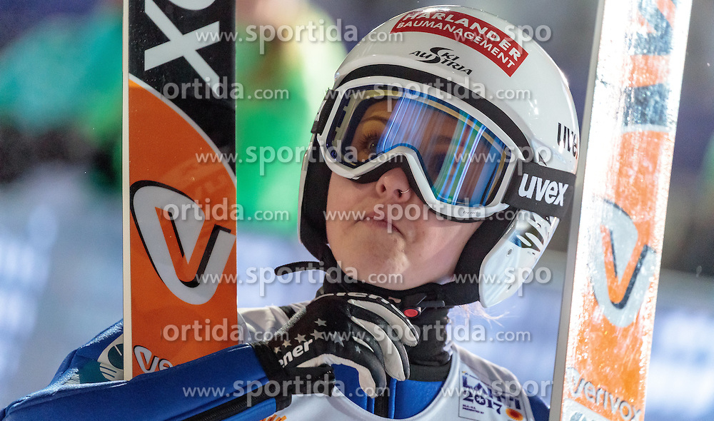24.02.2017, Lahti, FIN, FIS Weltmeisterschaften Ski Nordisch, Lahti 2017, Damen Skisprung, im Bild Chiara Hoelzl (AUT) // Chiara Hoelzl of Austria during Ladies Skijumping Competition of FIS Nordic Ski World Championships 2017. Lahti, Finland on 2017/02/24. EXPA Pictures © 2017, PhotoCredit: EXPA/ JFK