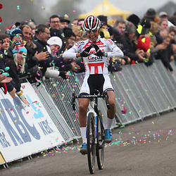 24-11-2019: Wielrennen: Wereldbeker Veldrijden: Koksijde<br /><br />Ceylin del Carmen Alvarado wint in Koksijde